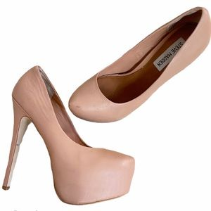 STEVE MADDEN Leather Nude Pumps Size 8